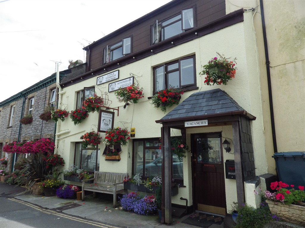 Guest Houses in Looe